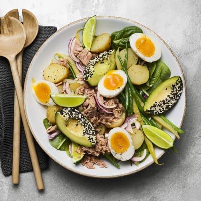 Bild på Tonfisksallad med vaxbönor, ägg och limevinägrett