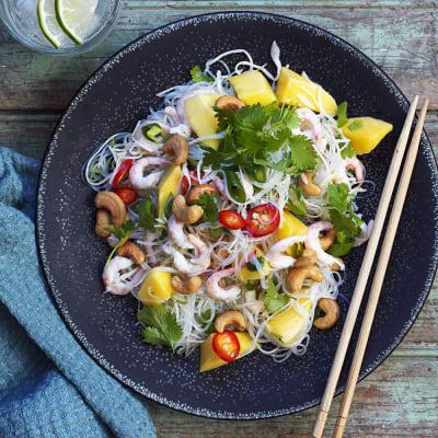 Bild på Nudelsallad med räkor och mango