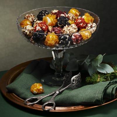 Bild på Lotta Lundgren - Färskostbollar med nötter och torkad frukt
