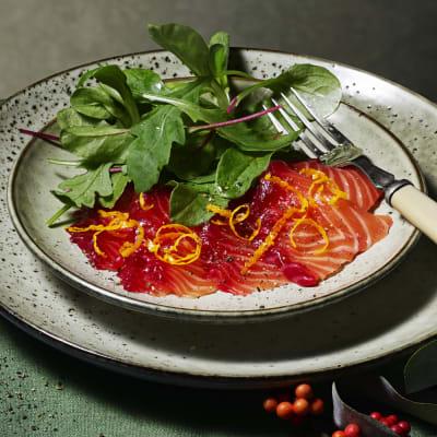Bild på Lotta Lundgren - Rödbetsgravad lax med apelsin