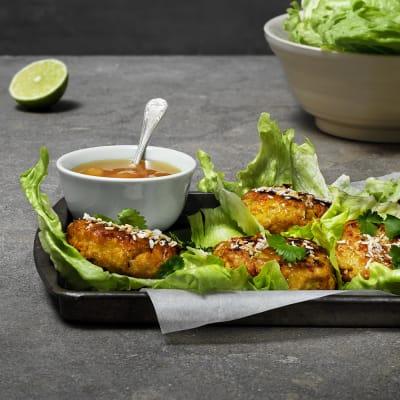 Bild på Lotta Lundgren - Chicken patties i salladsblad
