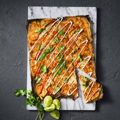 Bild på Sötpotatispizza med sriracha och koriander
