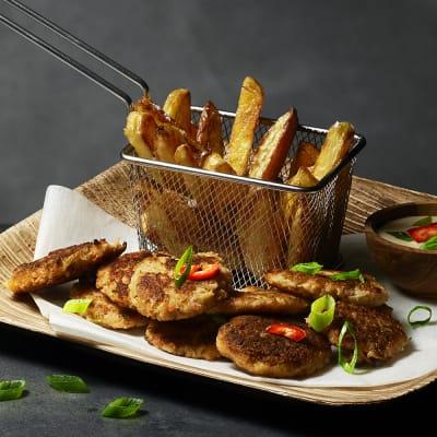 Bild på Surimicakes med fries
