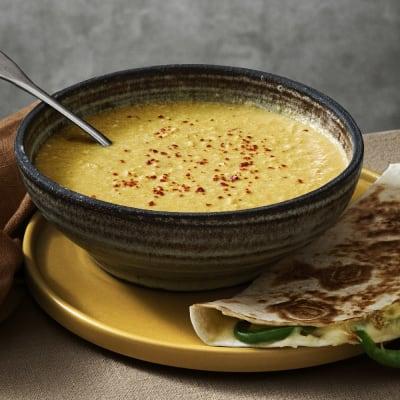 Bild på Lotta Lundgren - Mexikansk majssoppa med quesadillas