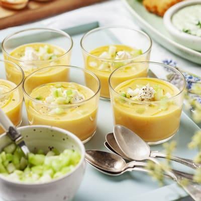 Bild på Kall morotssoppa med rostad paprika och krispig topping