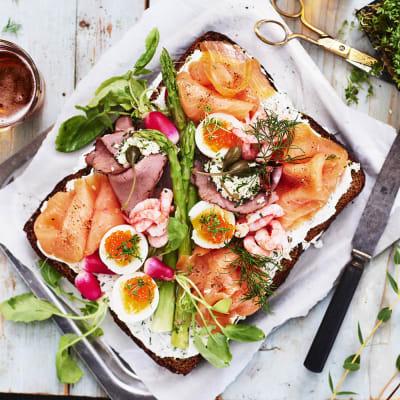 Bild på Smörgåstårta med smörrebrödskänsla