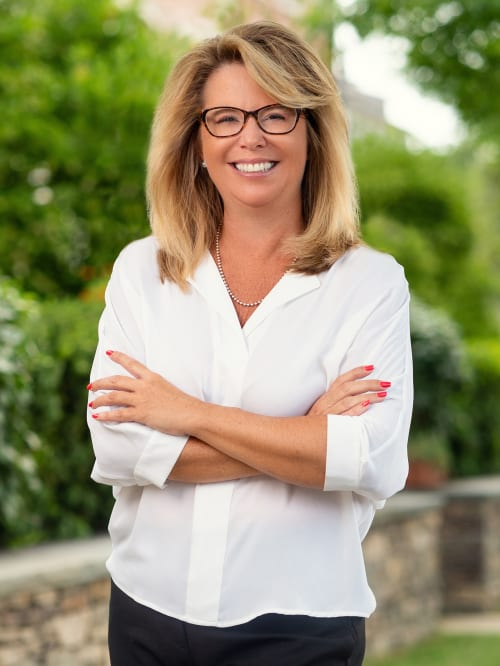 Karen Stroub is a realtor for undefined, a real estate company in Tarrytown.