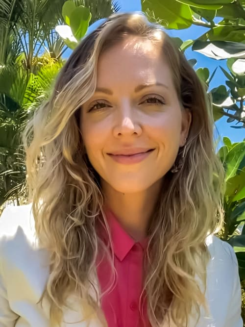 Elaine Andrews is a realtor for undefined, a real estate company in Kahala, Oahu.