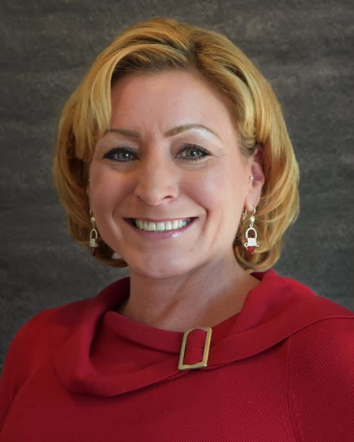 Leslie McGinty is a realtor for undefined, a real estate company in Chicago.