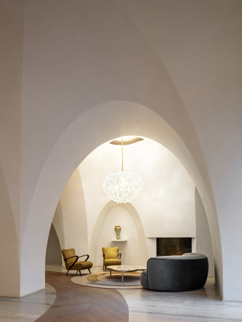 24/7 attended lobby, hand sculpted ceilings