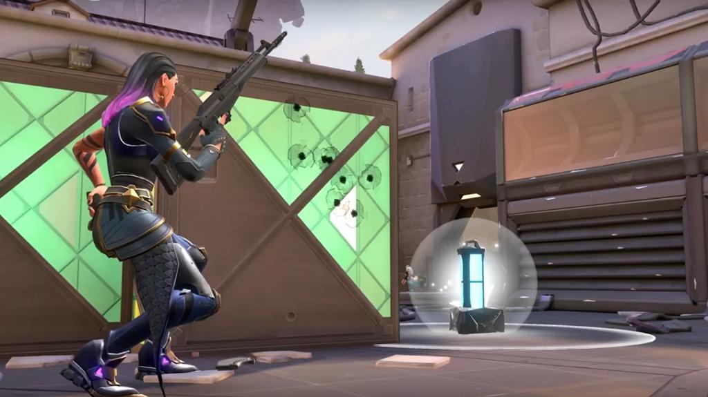 Das Angreifer-Team in Valorant muss eine Bombe beim Gegner platzieren.