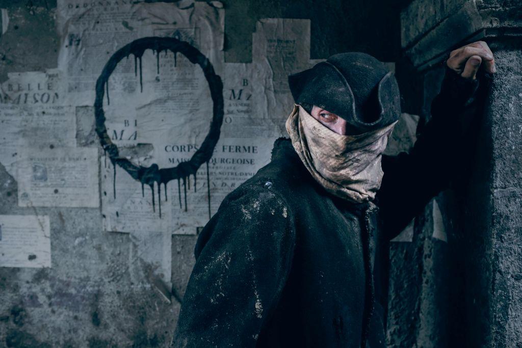 La Revolution Maskierter Mann