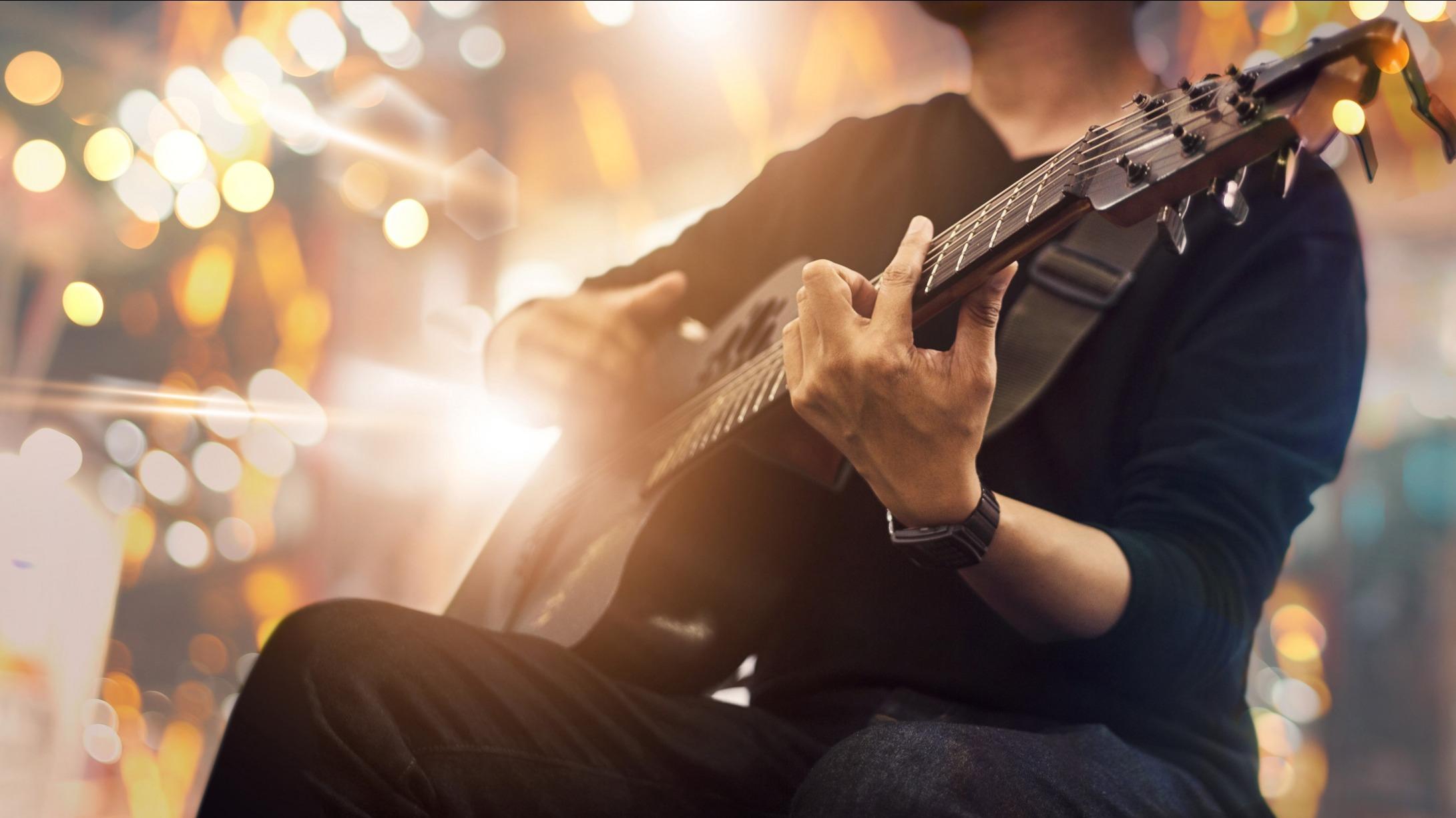 Oft verkannt, und doch rocken sie: Konzertfilme. Sie machen Konzerte unsterblich und lassen sie uns immer wieder erleben. Das sind die 10 besten …  | Spiele.de