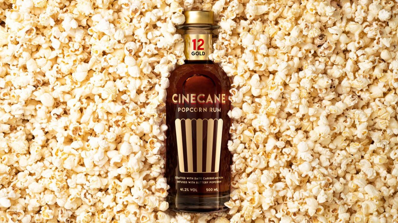 Mit Cinecane hat Tastillery eine mit Popcorn destillierte Rum-Spirituose auf den Markt gebracht. Aber ist Cinecane denn auch ganz großes Rum-Kino?   Spiele.de