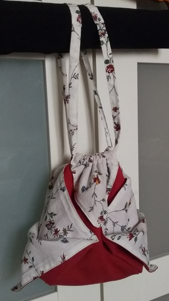 Go to Red origami bag with flowers