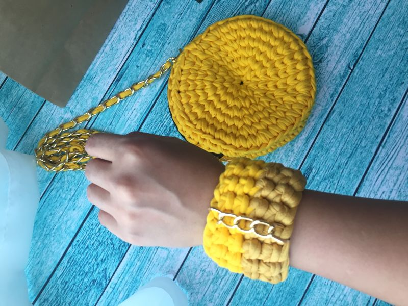 Crocheted bracelet for ladies