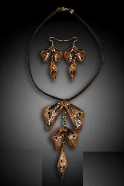 Wooden butterfly jewelry set