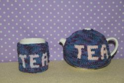 Go to Teapot and cup blue