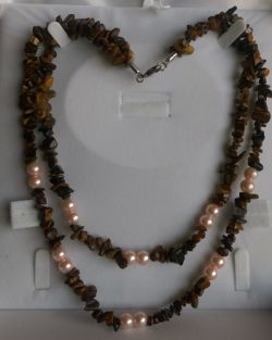 Go to Brown and Pearl Necklace