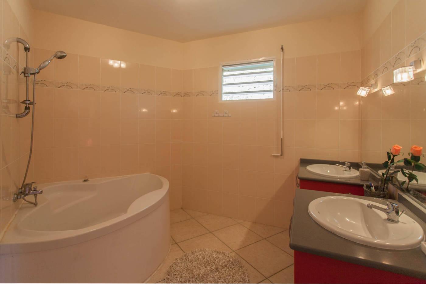 Villa avec piscine privée au gosier en guadeloupe