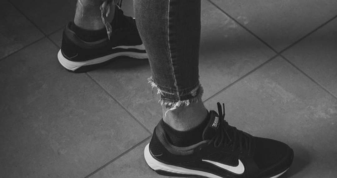 shop nike shoes online uae