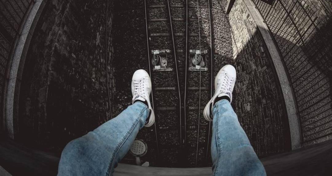 lightwash denim jeans for men online sale