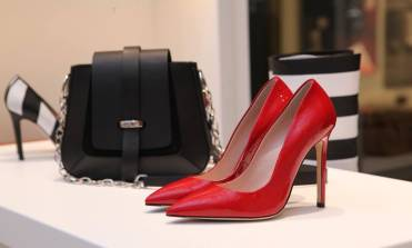 How to choose luxury shoes that combine style and comfort