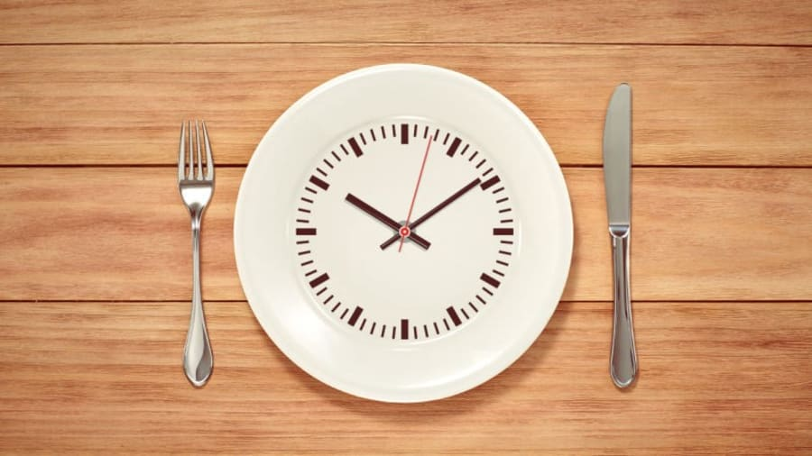 plate that is a clock