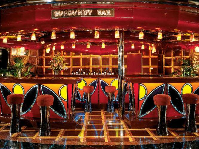 Carnival Glory Kreuzfahrten, Deckplan und Schiffsbewertungen