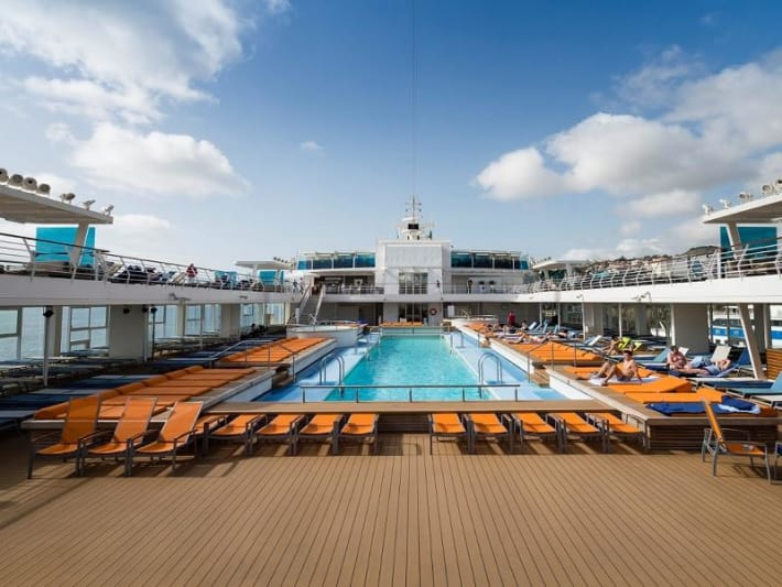 mein schiff 1 cruises scheepsbeoordelingen en dekkenplan. Black Bedroom Furniture Sets. Home Design Ideas