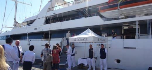 バルドーに捧ぐ、サントロペ- 2016年 Le Ponant (帆船)