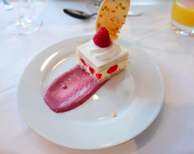 Sweet cherry cake(サクランボのケーキ)