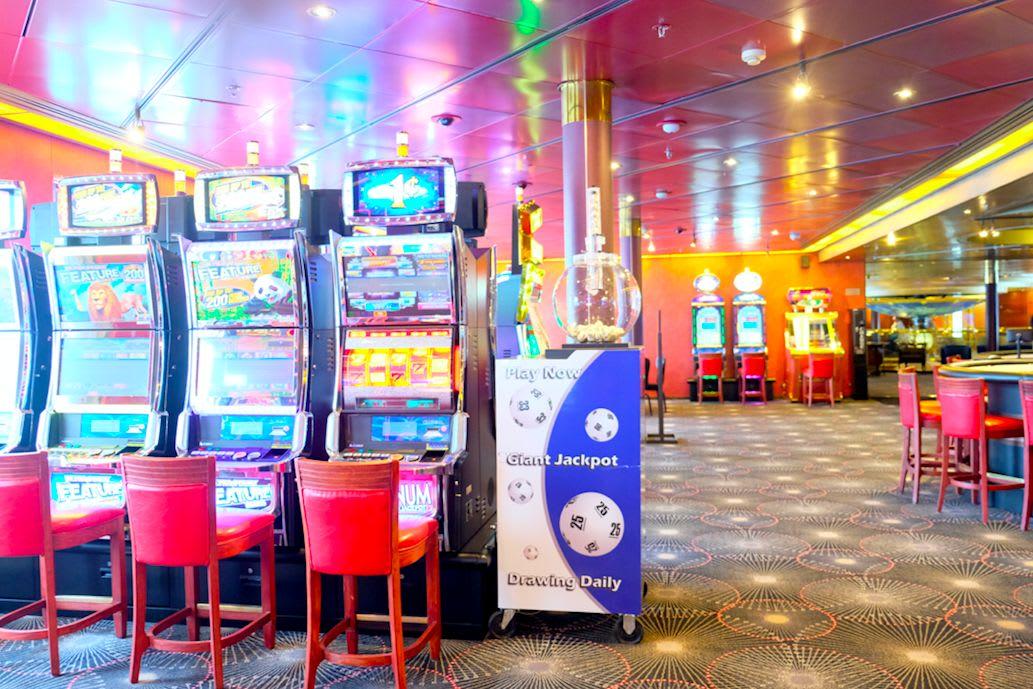 カジノを抜けるとスポーツバーもあります