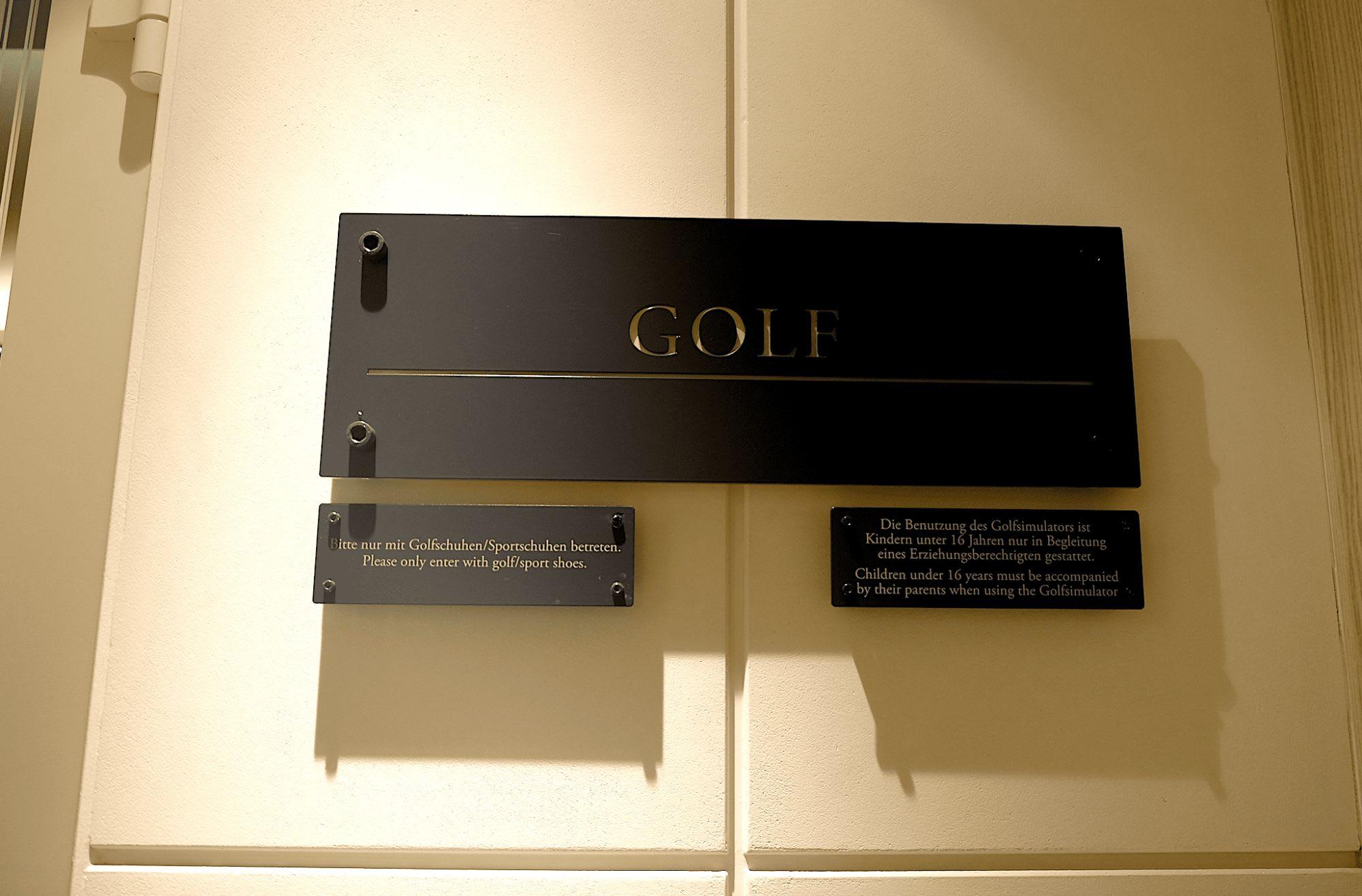 ゴルフ・レッスン室