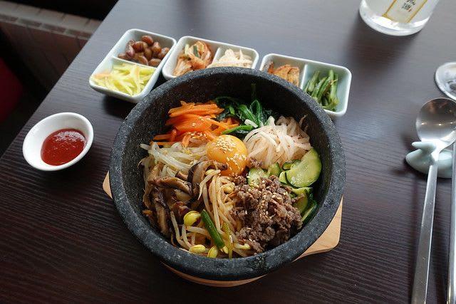韓国に来たらやはりコリアン・グルメをお試しください / Photo by [Guilhem Vellut](https://www.flickr.com/photos/22539273@N00/32733204360/)