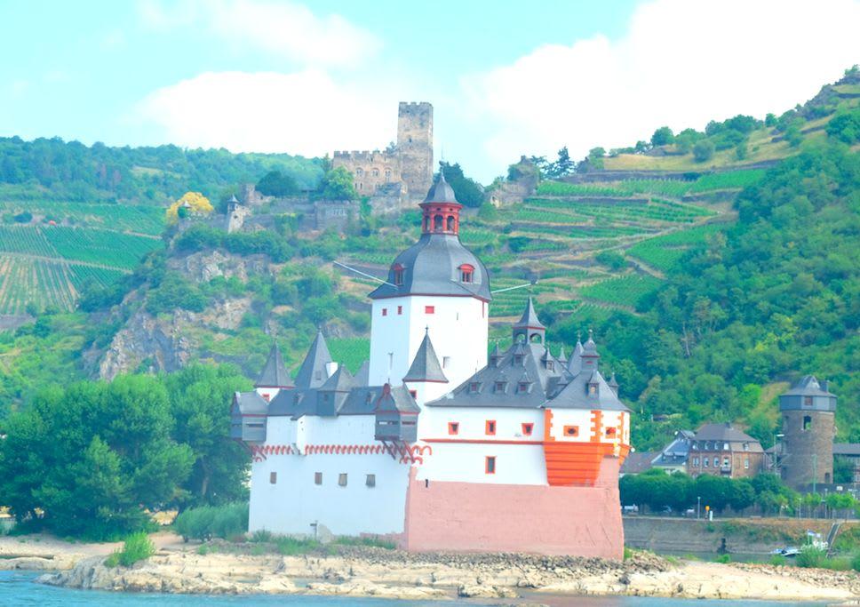 ルートヴィヒ4世により建てられました