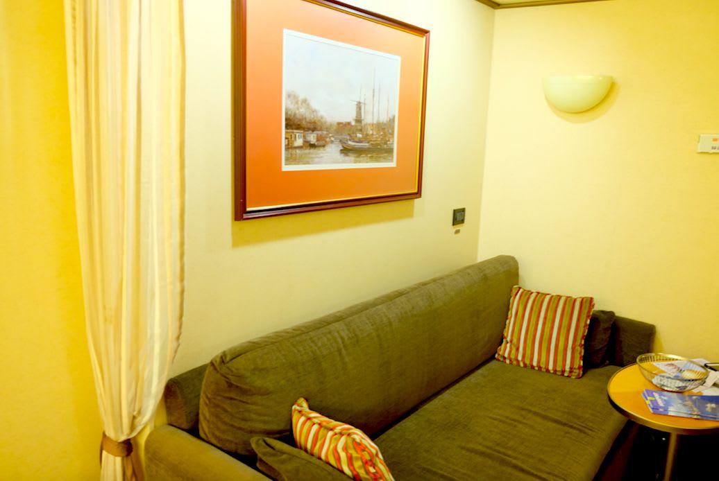 インサイド・ルームでも2名がけのソファがあってスペースが分けられているのが良いですね