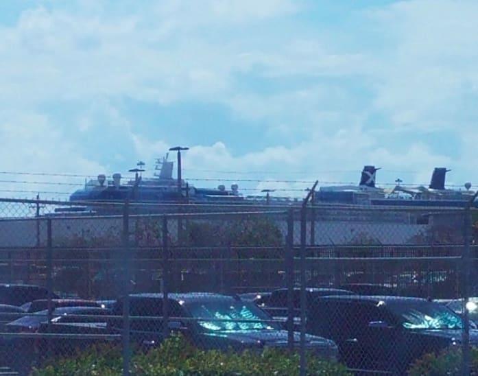 セレブリティシルエット乗船記カリブ海7日間―モダンでシックなシルエットをご紹介①