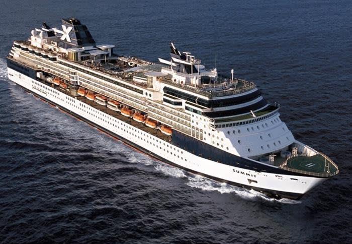 セレブリティ・サミット、客船の改装プログラムを終える
