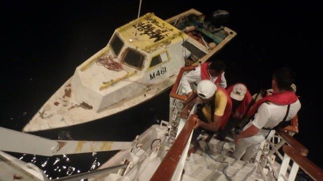 カーニバル・ファッシネーション、バルバドスの漁師を救助