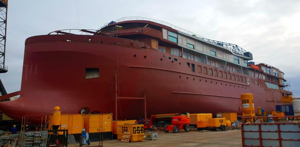 セレブリティ・クルーズの最新客船フローラ、進水式の映像を公開