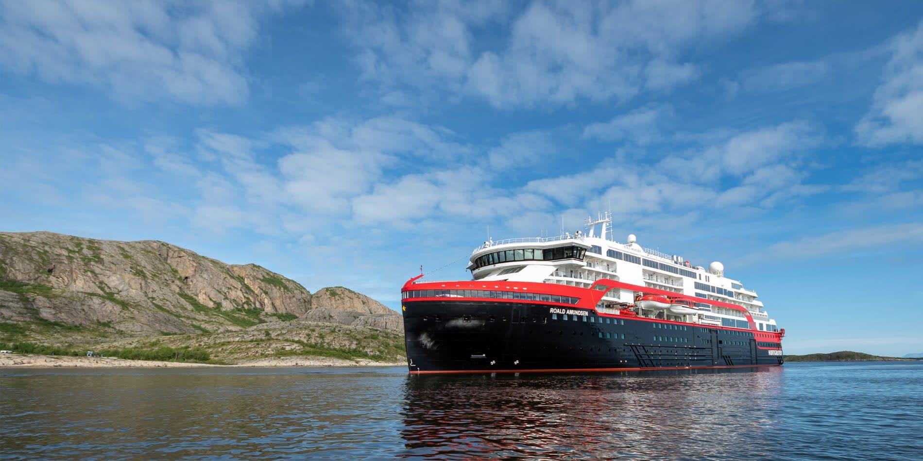 フッティルーテンの最新船ロアール・アムンセン、受け渡し完了