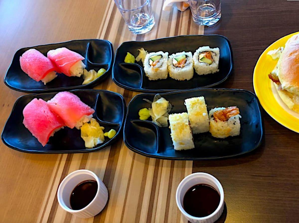 お寿司も人気です