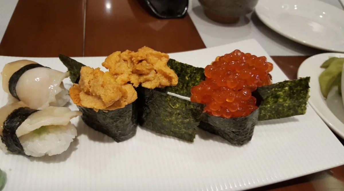 海寿司のお寿司 [ms. pleiades](https://cruisemans.com/ships/378/photos/food-drink?p=3#trip-photo-53)