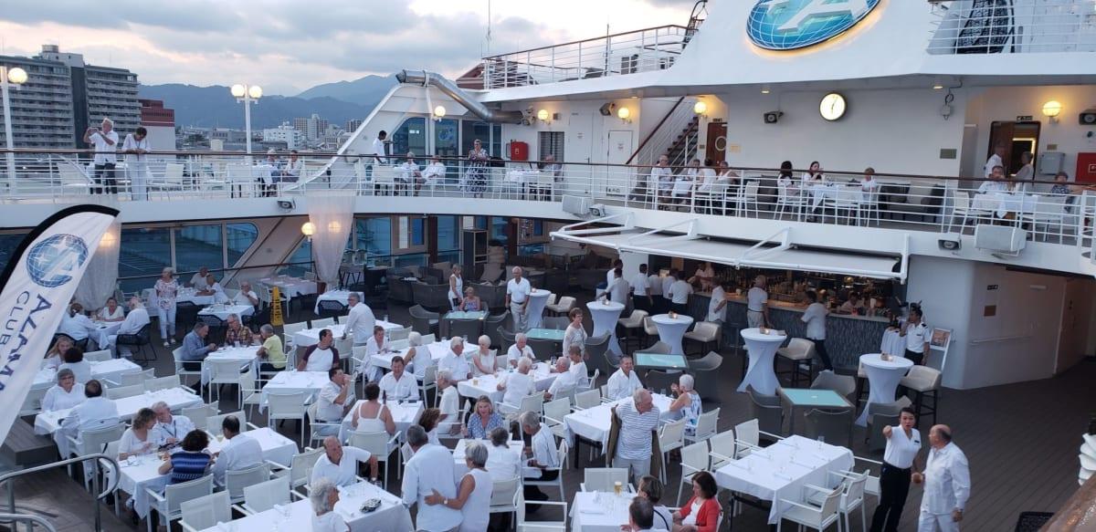 船全体が白く染まるホワイト・ナイト