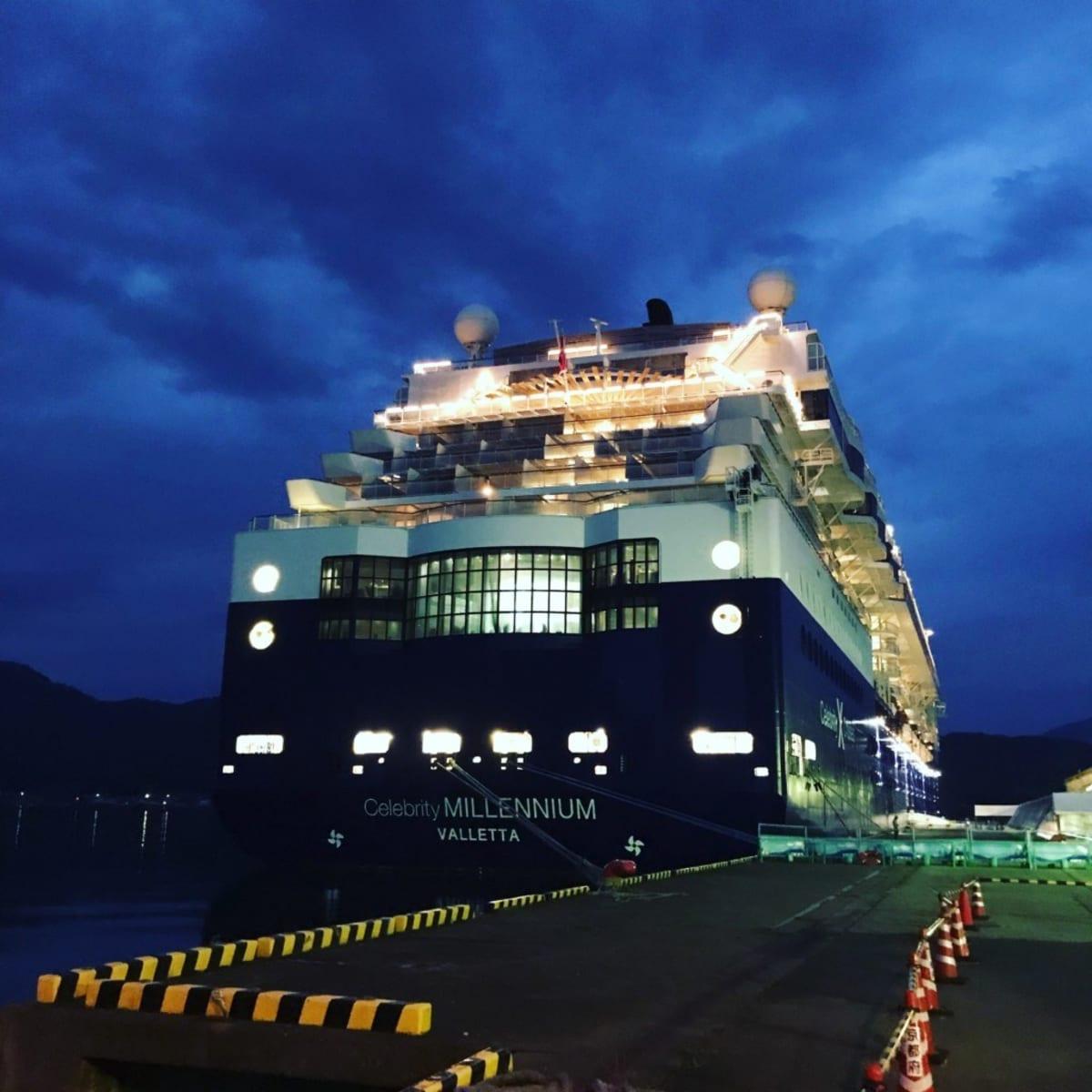 2019セレブリティ・ミレニアムおひとり様乗船記(22)乗船4日目舞鶴の夜を船内で楽しむ|スィーツ|ショー