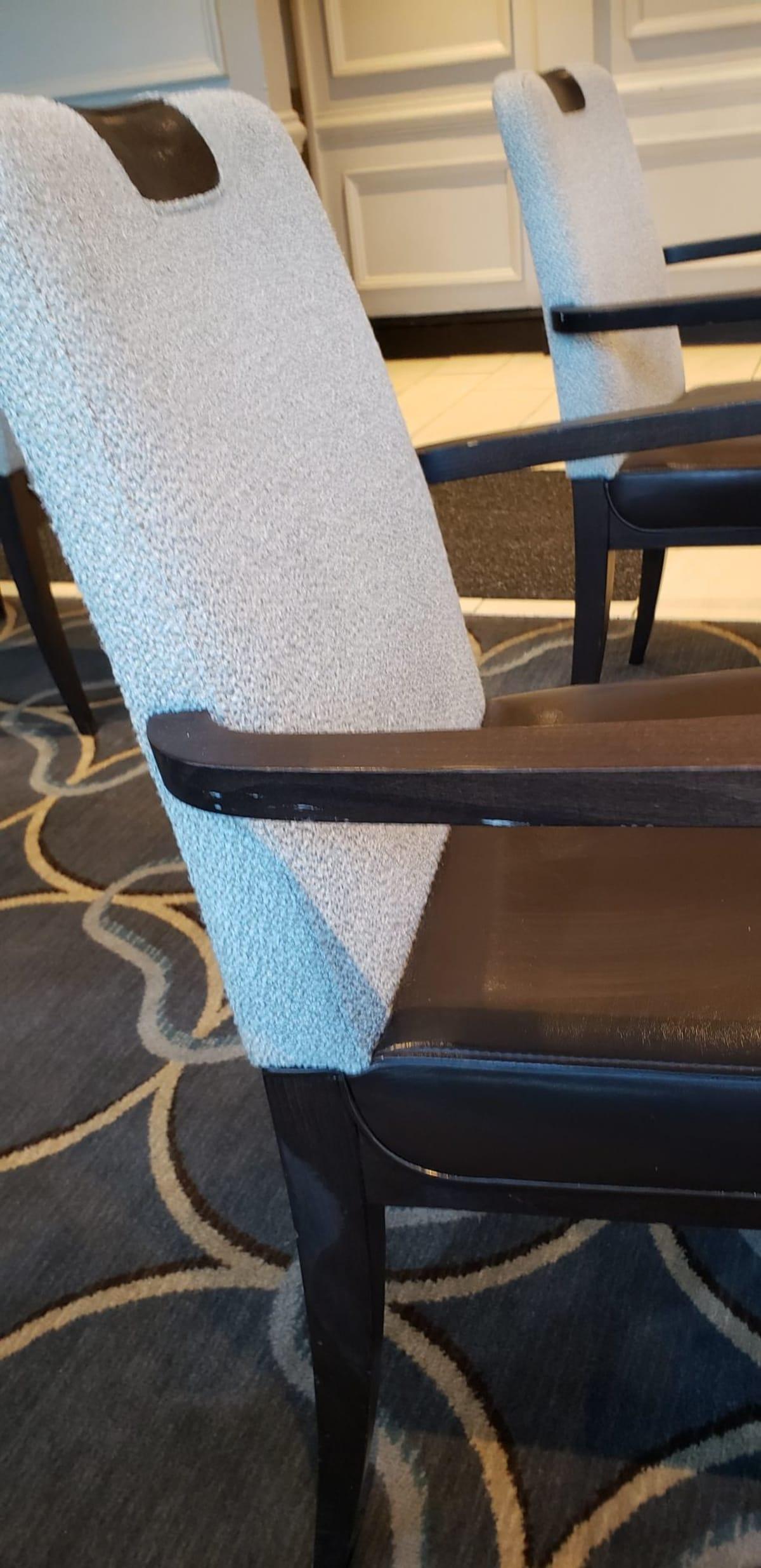 ほどよいスペースを持つテーブル