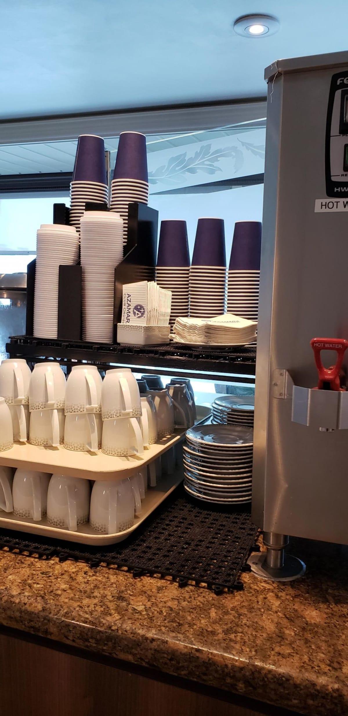 バフェのコーヒーコーナーもちあるけるふらつき紙カップの用意もあります