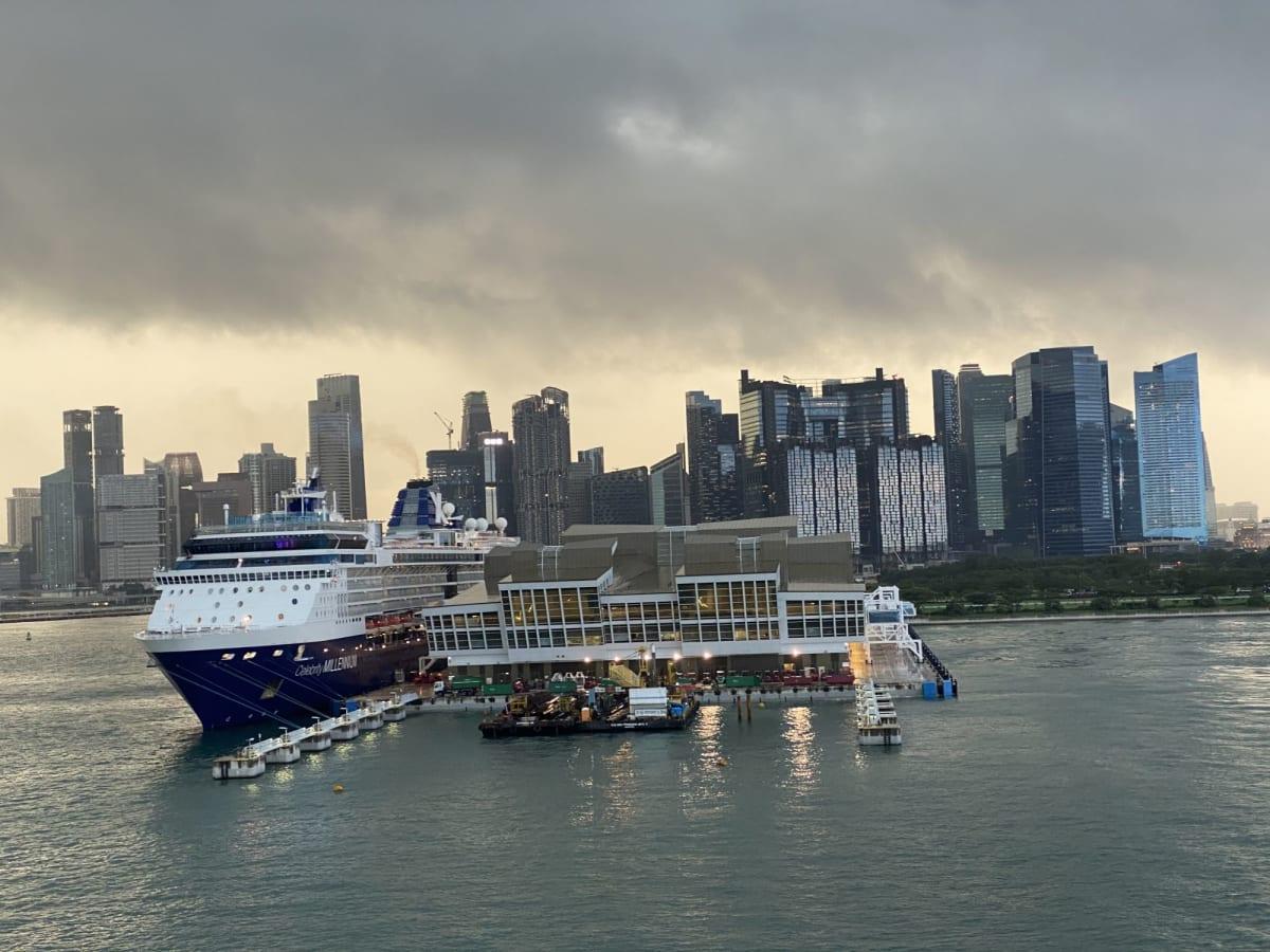 小雨降るシンガポールから出航🛳 | シンガポールでの客船セレブリティ・ミレニアム