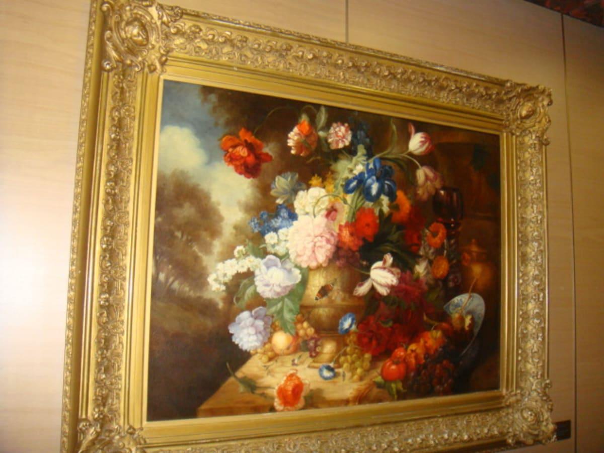 こんな絵画も船内の雰囲気にぴったり。 | 客船フォーレンダムの船内施設